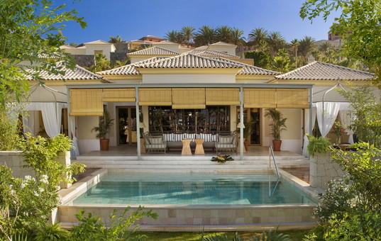Spanien - CANARY ISLANDS - TENERIFE - Costa Adeje - Las Mimosas - Outer view vacation villa with pool in Teneriffe
