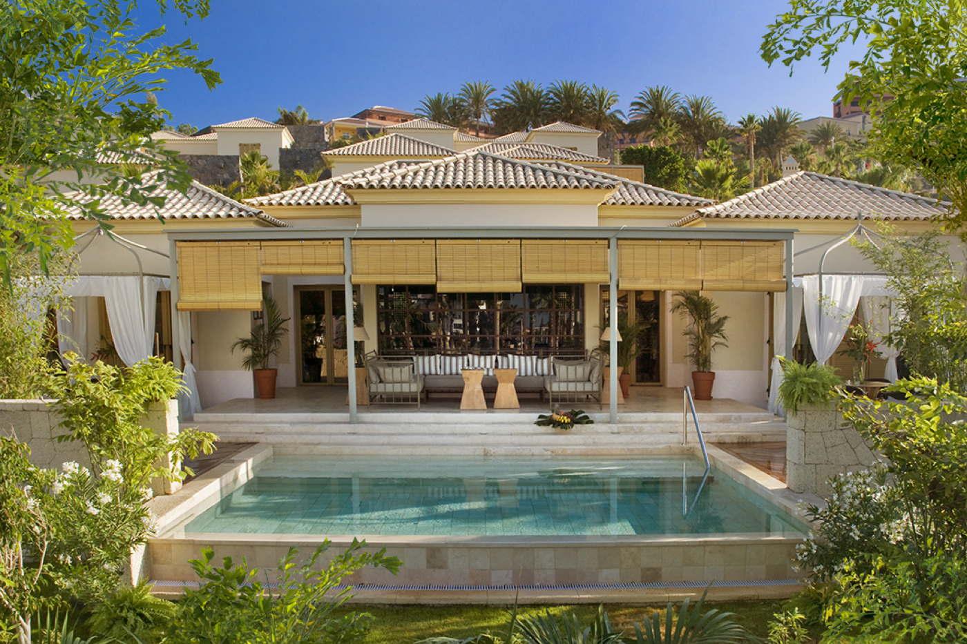 Luxus und design hotelvilla mit infinity pool kanarische for Design hotels spanien