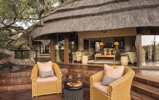 Afrika - SOUTH AFRICA - MADIKWE GAME RESERVE -  - Tuningi Lodge -