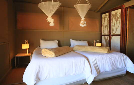 Afrika - NAMIBIA - Kanaan - Kanaan Desert Retreat - comfortable bedroom