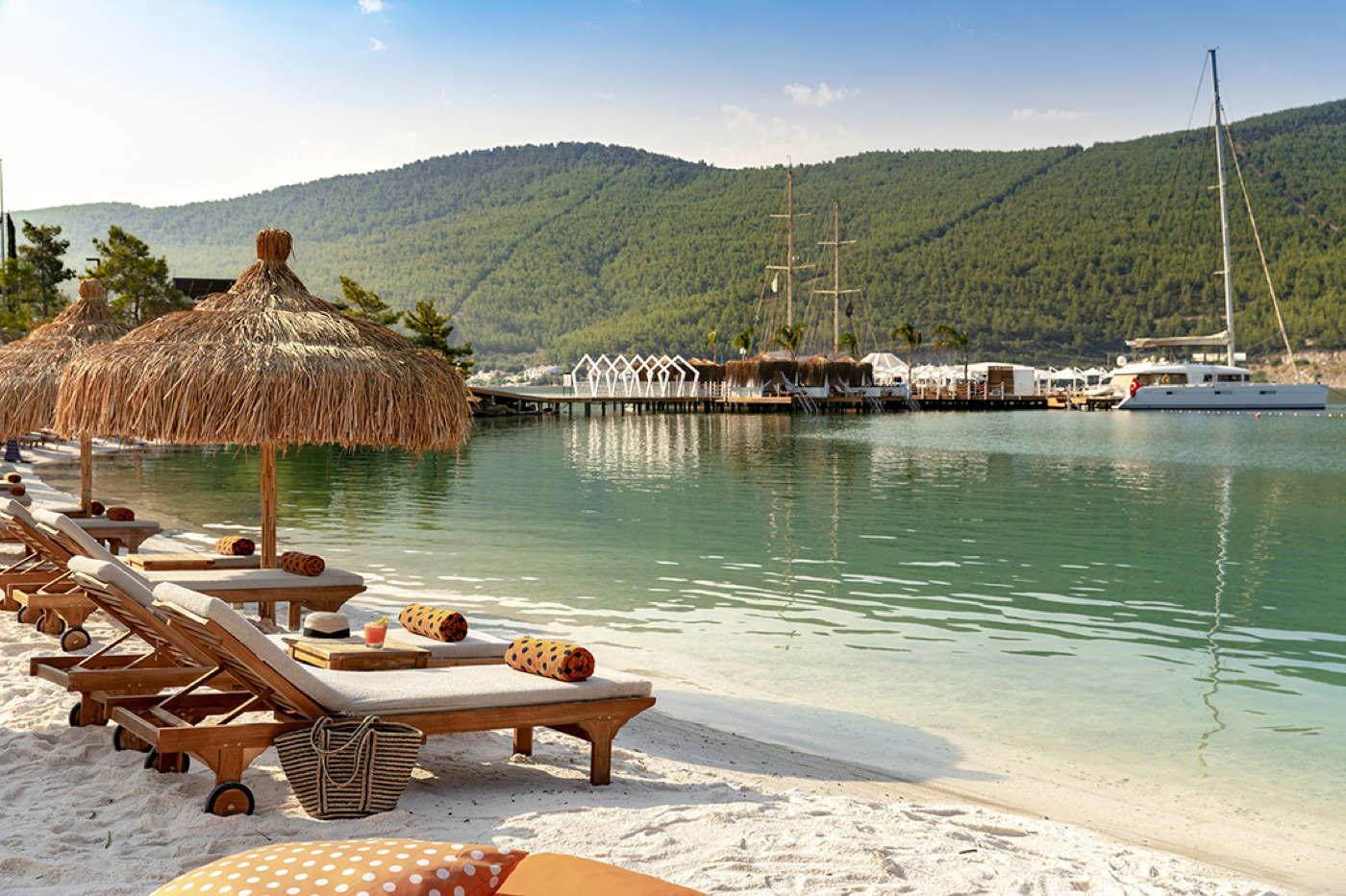 Ferienvilla Mit Pool Am Meer In Guvercinlik Türkei