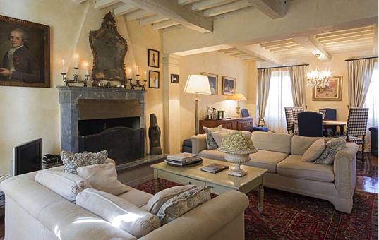 Italien - TUSCANY - Capriglia - Villa Capriglia - cosy lounge with fire place