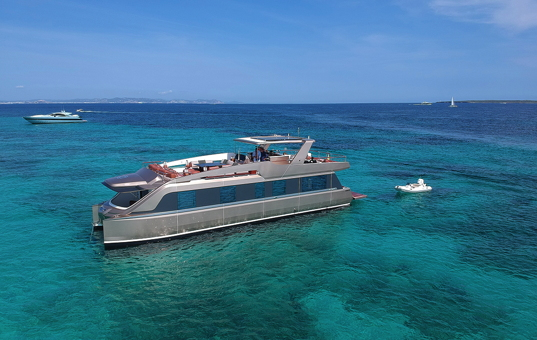 Spanien - BALEARIC ISLANDS - IBIZA -  - Floating Villa Goldfinger -