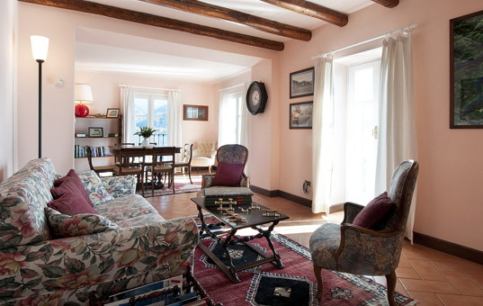 Italien - LAGO DI COMO - St.Maria Rezzonico - Casa Rivetta - Cozy living and dining area