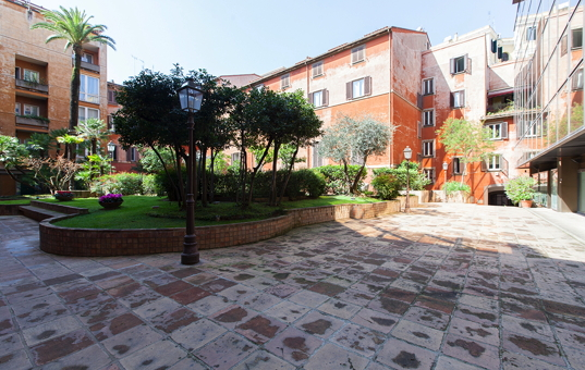 <a href='/holiday-villa/italy.html'>ITALY</a> - <a href='/holiday-villa/italy/latio.html'>ROME</a>  -  - Apartment Trevi - apartment in the center of Rome
