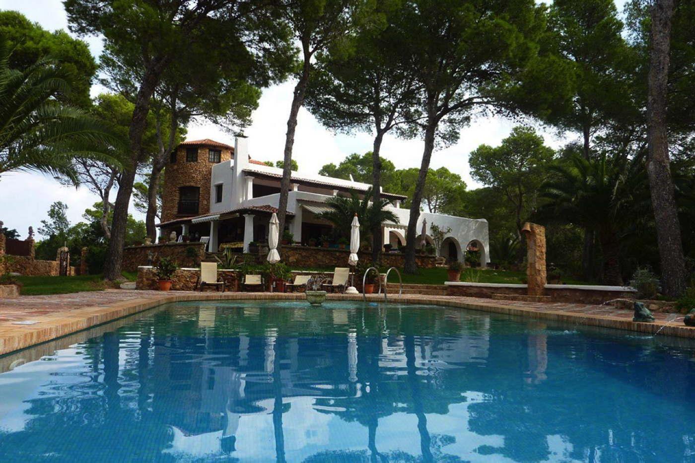 luxusfinca colina mit pool auf ibiza domizile reisen. Black Bedroom Furniture Sets. Home Design Ideas