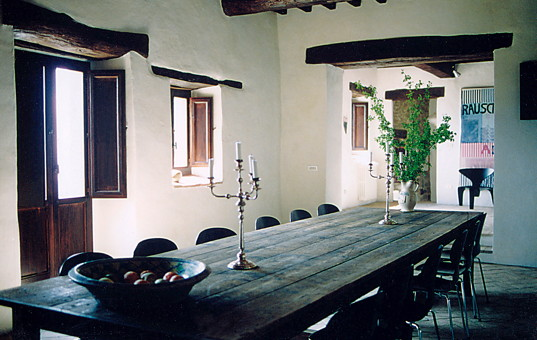 Italien - UMBRIA - Gosparini - Casa Bramasole - dining area with large massive table