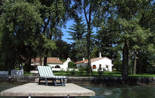 Italien - Lago Maggiore  - Solcio di Lesa - Casa del Lago - Privater Steg mit großem Garten