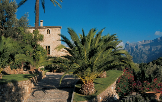 <a href='/holiday-villa/spain.html'>SPAIN</a> - <a href='/finca/spain/balearic-islands.html'>BALEARIC ISLANDS</a>  - <a href='/finca/spain/mallorca.html'>MAJORCA</a> - Soller - Finca Son Salas -