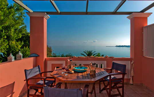 <a href='/holiday-villa/greece.html'>GREECE</a> - <a href='/holiday-villa/greece/ionian-islands.html'>IONIAN ISLANDS</a>  - <a href='/holiday-villa/greece/zakynthos.html'>ZAKYNTHOS</a> - Alikanas - Spiti Calypso - Apartment Ariadne -
