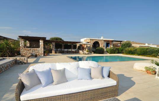 <a href='/holiday-villa/greece.html'>GREECE</a> - <a href='/holiday-villa/greece/cyclades.html'>CYCLADES</a>  - <a href='/holiday-villa/greece/paros.html'>PAROS</a> - Akrotiri - Spiti Krios -