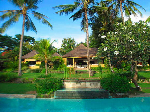 rental villa with staff Bali