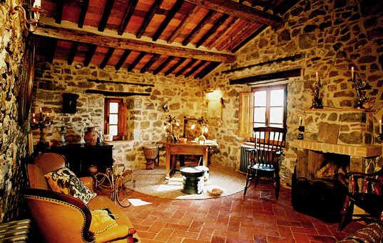 Italien - TUSCANY - Selva - Podere Poggio Prataccio - living room in a rustic vacation villa in tuscany