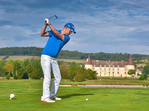 golf player in Burgundy
