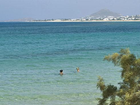 Naksos adası plaj ve berrak deniz