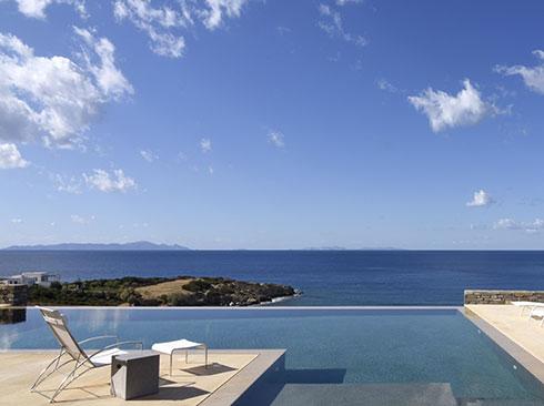 Paros adasında villa terasından görünüm