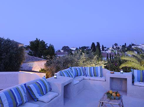 Spetses adasında tatil evi terası