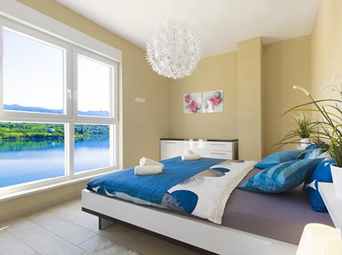 Herrliches Schlafzimmer mit Meerblick