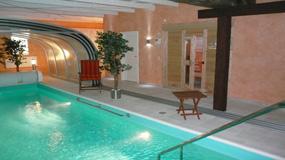 ferienvilla ferienhaus designvilla mit pool bei domizile reisen. Black Bedroom Furniture Sets. Home Design Ideas