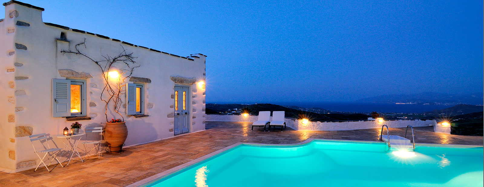 Luxurious holiday homes in the Cyklades
