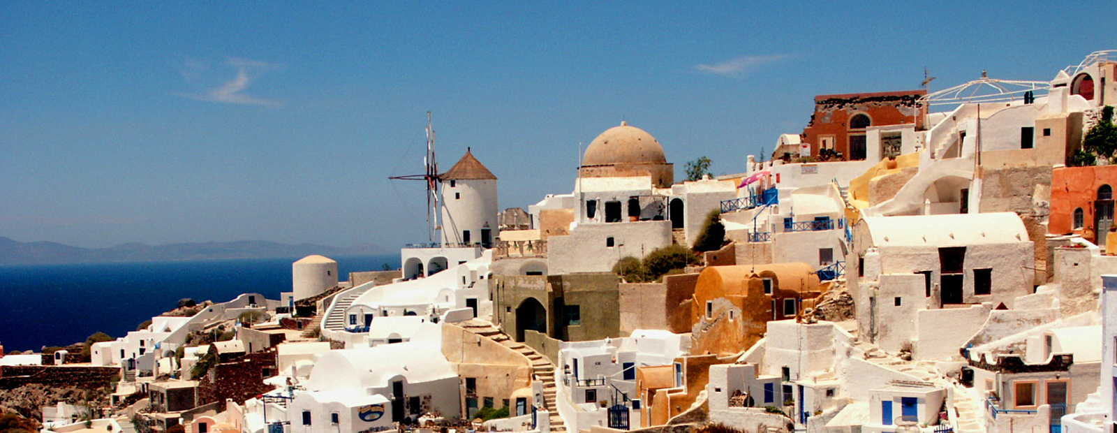 Exclusive holiday villas on Santorini island