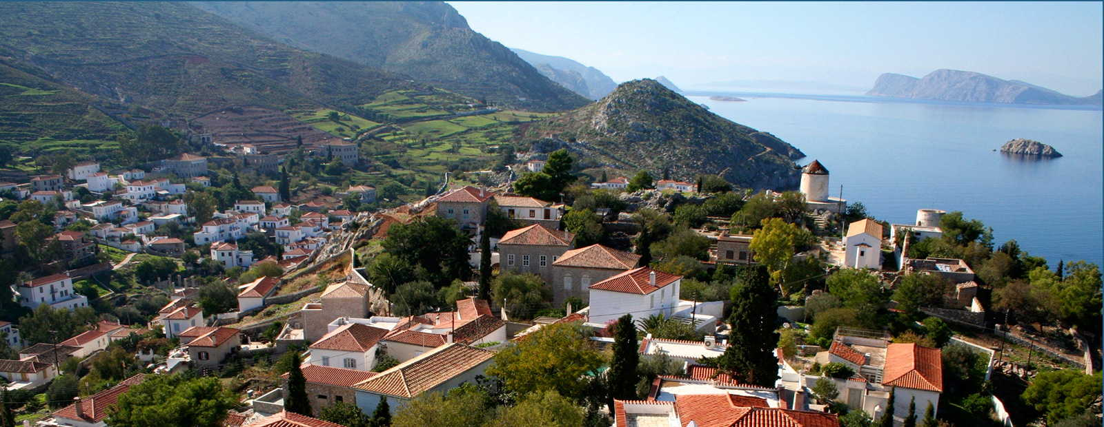 Luxurious holiday homes on the Saronic Islands