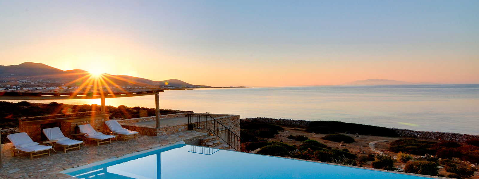 Exclusive holiday homes on Sifnos island